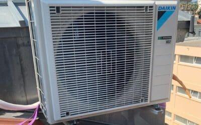 Installation d'un système de climatisation gainable 3 sorties DAIKIN à Cannes